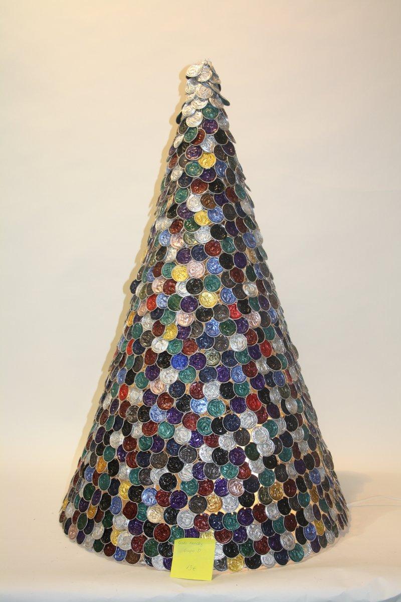 Reciclar capsulas de caf blog de urbincasa - Arboles de navidad de diferentes materiales ...