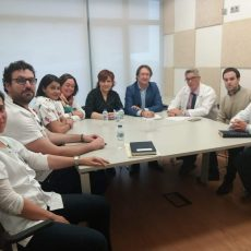 Decorando urgencias infantil Hospital Santa Lucía
